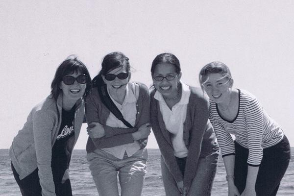 girls_at_beach